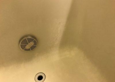 FRP浴槽ひび割れ部分リペア補修 No.BA201030